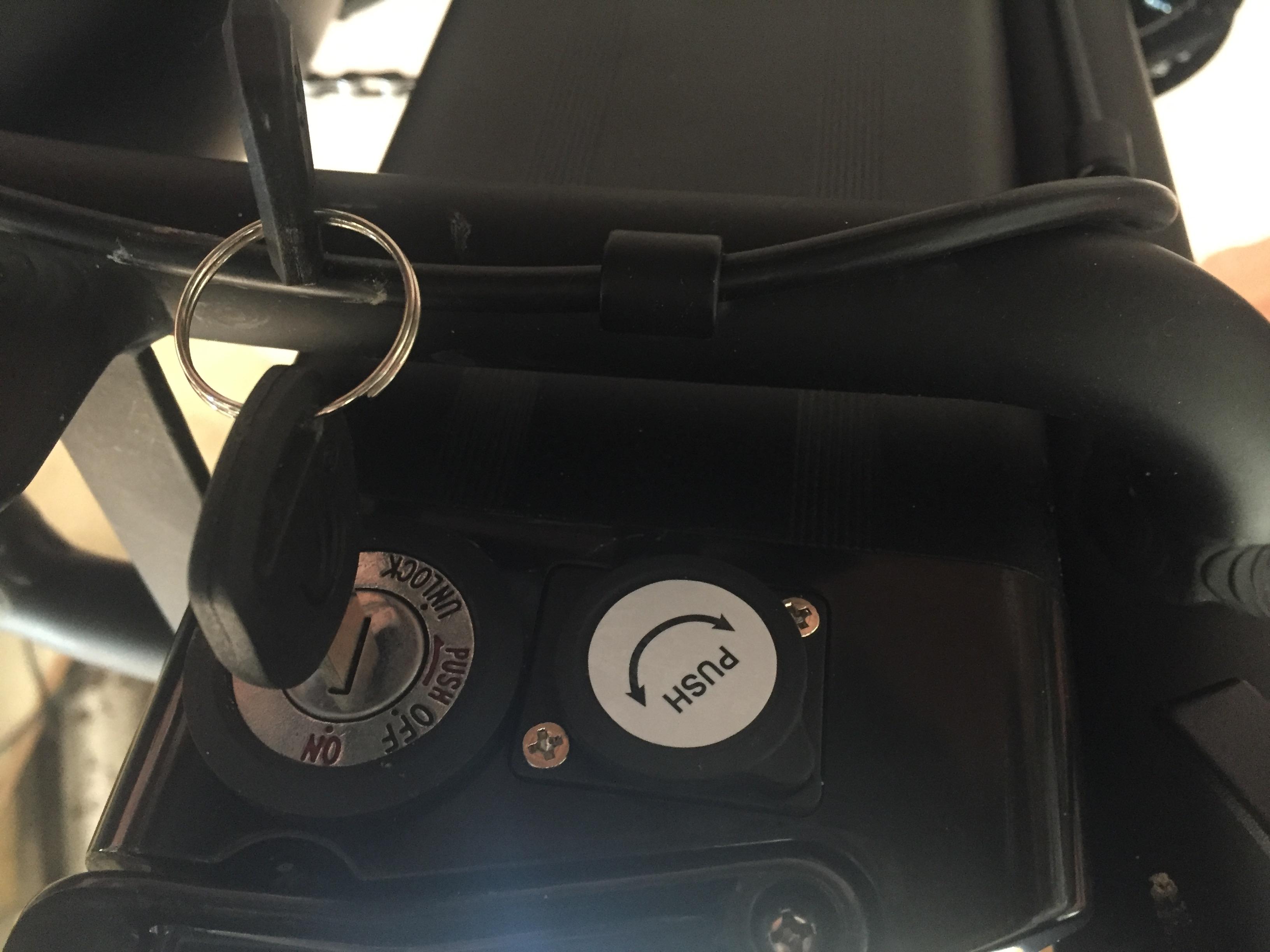Trek & Traverse Battery with Key