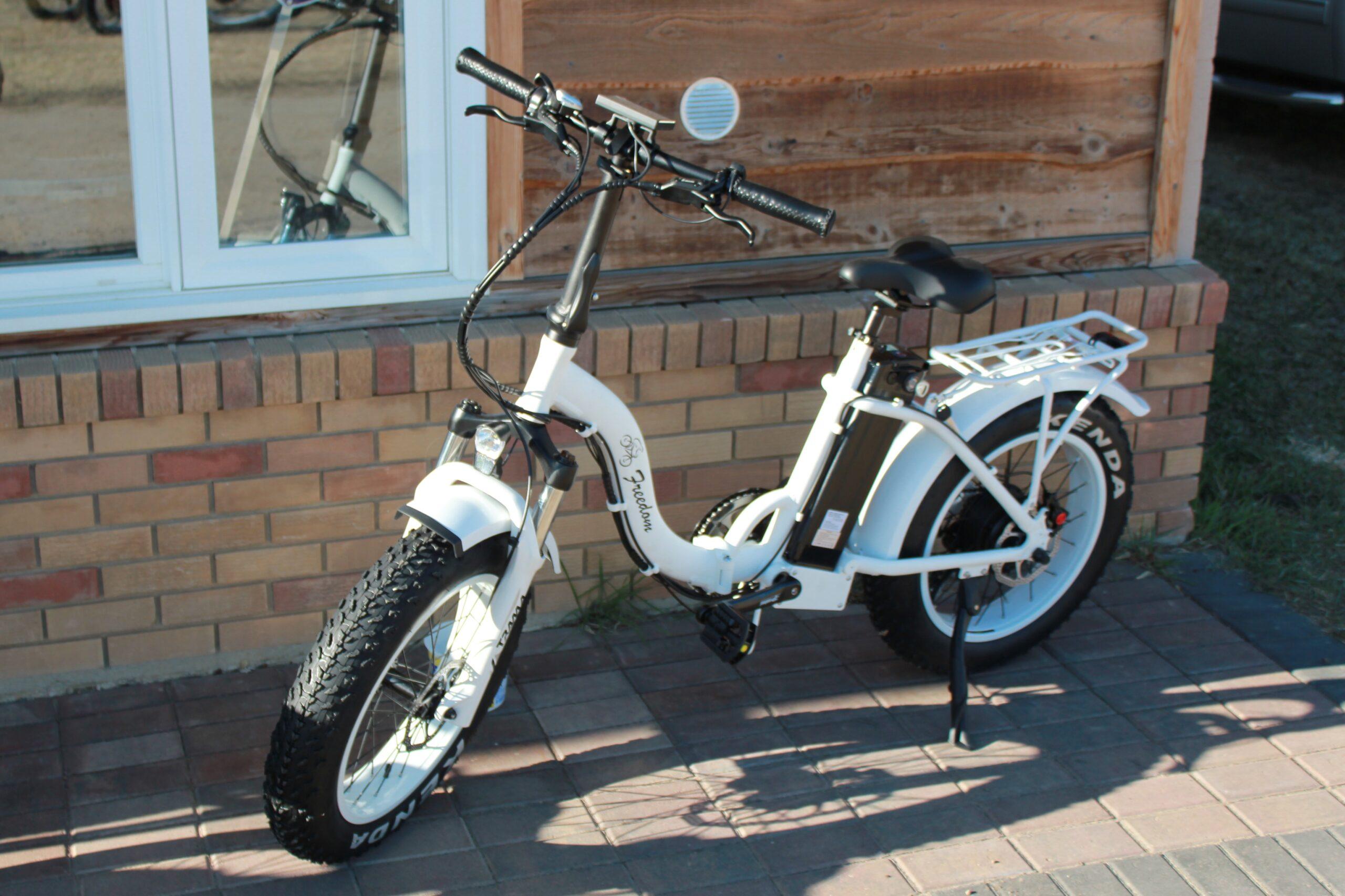 Traverse Ebike white